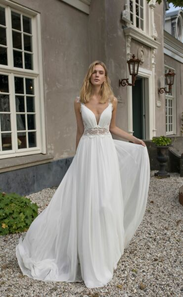 Modeca Demetria a Art.  29074 Valkengoed Wedding Fashion Amersfoort.jpg